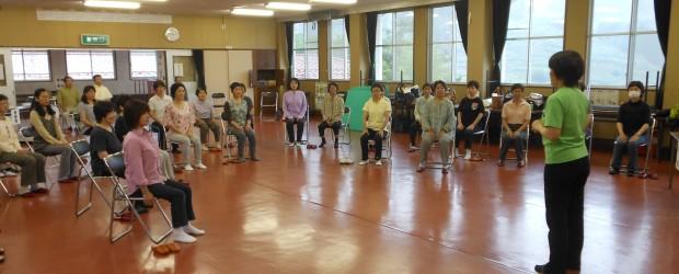 6月21日(金)、「女性のための体操教室」をテーマに、本年度第1回目の健康づくり教室が芋井農村環境改善センターで行なわれました。  体操教室では健康運動指導士の徳武有紀先生を講師に向かえ、ストレッチや日常生活の中で簡単...