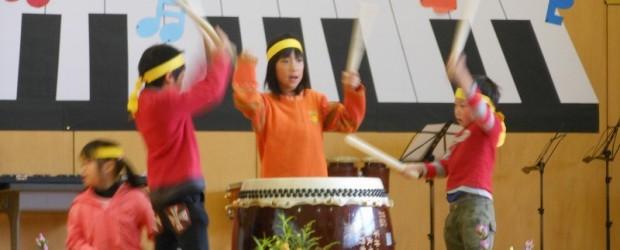 10月26日(土)に第2回ぬくもり広場が開催されました。 今年も昨年に引き続き、芋井小学校音楽会の見学を兼ねて行われました。 1年生から6年生までの児童の皆さんの歌や合奏を聞いたり、PTAの皆さん、の合唱、先生方の大熱演...