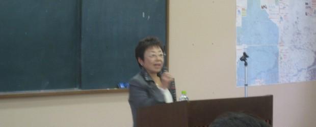 12月10日(火) 芋井改善センターで、「平成25年度芋井社会福祉大会」が開催されました。 今年は地域を挙げて福祉を考える機会として、『誰がやるの!!地域のみんなで』と題しまして 長野県公安委員長の山浦 悦子様にご講演し...