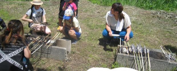 8月3日(日) 晴天 今年も毎年恒例の芋井育成会主催の「魚つかみ取り大会」が開催されました。  今年は子どもが約60名、保護者など大人が約40名 総勢100名が集まり、とても盛大に行うことができました。 &n...
