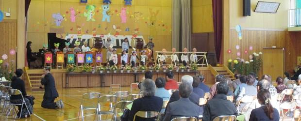 10月25日(土)に、第3回ぬくもり広場が開催されました。 今年も芋井小学校音楽会の見学をかねての楽しいひと時を過ごしていただきました。 途中で子どもたちとお年寄りの方の「交流ステージ」があり、曲に合わせて手遊びなど...