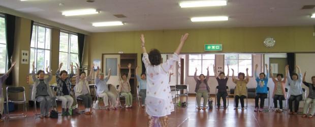 平成27年6月18日(木)、芋井農村環境改善センター2Fホールで『第1回健康づくり教室』が開催されました。 今回は注目の 笑いヨガ! テーマはズバリ!~~みんなで大笑いしませんか~~ 当日の会場にはたくさんの参加者が集ま...