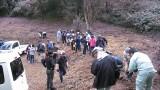 10月20日(土)、鑪地区の葛山城址周辺の遊歩道で植樹祭を開催しました。 地区の方はもちろん、地区外からもお子さんを連れて参加して下さいました。 総勢50名程で遊歩道沿いを中心にレンゲツツジ、ヤマツツジ、ミツバツツジの苗...