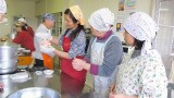 2月20日(水)芋井公民館で、やしょうま作り講座を開催しました。 『アンパンマン・バラ・桃・ごま味』の色とりどりのやしょうまを作りました。