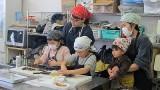 2月11日(火)㊗ 子ども体験教室「私のバレンタインチョコ」を開催しました。 生チョコとスパゲッティナポリタンを作りました。
