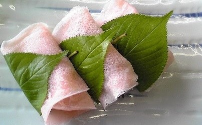 令和2年6月18日(木)の午後1時半~3時半、芋井公民館調理室で「桜餅・柏餅作り講座」を開催します。 詳しくはこちらをご覧ください。