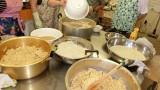 令和3年6月8日・10日 味噌作り講座を開催しました。 できあがりが楽しみですね。